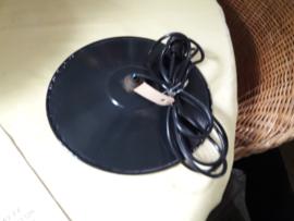 Zwart emaille lampenkapje met toebehoren