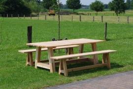 Douglas tuinset Robuuste tafel (Compleet set)
