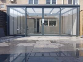tuinkamer:  met aluminium schuifpui / polycarbonaat dakplaten opaal / kleur antracietgrijs