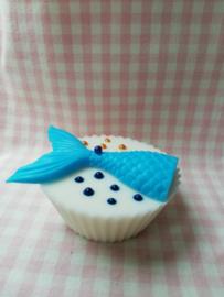 Cupcake met liggende zeemeerminstaart