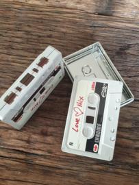 Cassette blikjes met wit