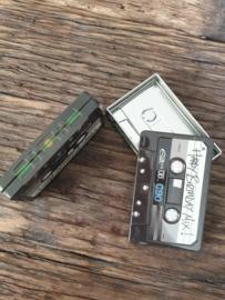 Cassette blikjes met zwart