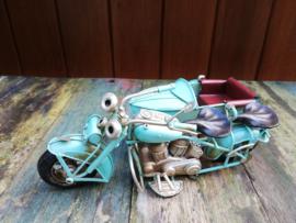 Motorfiets met zijspan lichtblauw