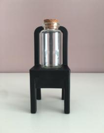 Glazen flesje met kurkdop