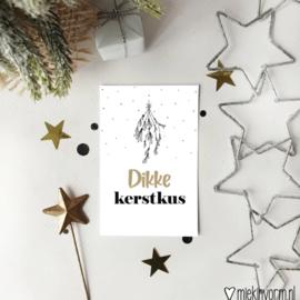 Minkikaartje | Een dikke kerstkus