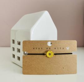 Armbandje elastiek met een gele zonnebloem