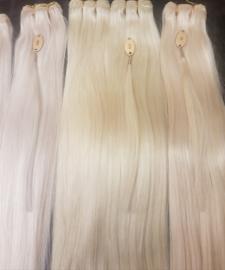 Hairwefts blond