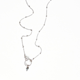 Elegant collier