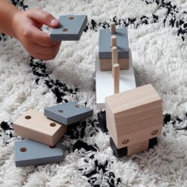 houten vrachtwagen met rechthoekige blokjes - monochrome