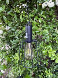 Solar lamp hangend.