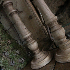 Houten kandelaar 2(25 cm hoog)
