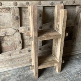 Teak houten wandrekje (Br. 20 cm.)