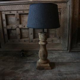 Houten balusterlamp inclusief kap 2 (H51 cm)