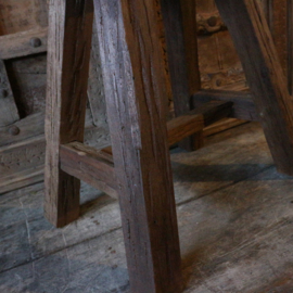 Houten kruk (Br 35 cm)