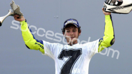 1;06<> VALENTINO ROSSI - 7 Time World Champion  MotoGP 2005 - mc362051346
