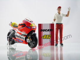 1;18<>SET - MotoGP 2011 - DUCATI GP11 #46 + CREW MAN  set #141