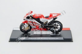 1;24<>YAMAHA YZR-M1     MotoGP 2004  Marco Melandri  #33