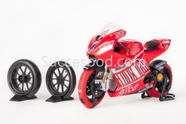 1;12<>SET - 2008 - MotoGP -2TyreWarmers fitted on DUCATI GP8 -Stoner#27 + 2 xSlicks + 2xWheelstand.