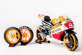 1;12<>SET - MotoGP 2014 -2 TyreWarmers fitted on HONDA RC #93 + 2 x Slicks + 2xWheelstand