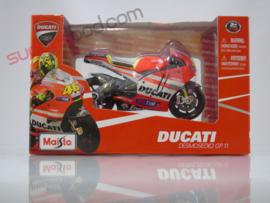 1;18<>SET - MotoGP 2011 - DUCATI GP11 #46 + CREW MAN  set #141