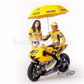 1;12<>SET - YAMAHA YZR-M1 + 2 pcs FIGURINES . MotoGP 2005. ROSSI #46 + GRID GIRL.