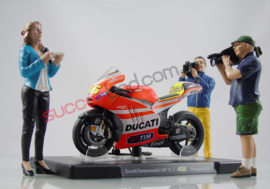 1;18<>SET - MotoGP 2011 -  #46.DUCATI GP 11.1 + 3 Figurines   set #145