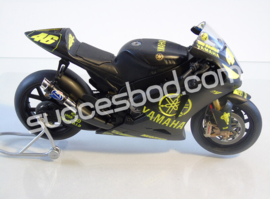 "1;12<>YAMAHA YZR-M1  MotoGP 2007  ""Test SEPANG"" ROSSI #46"