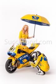 1;12<>SET - YAMAHA YZR-M1 + 2 pcs FIGURINES. MotoGP 2006. ROSSI #46 + GRID GIRL.