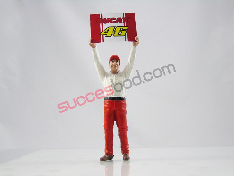 1;18<>DUCATI PITCREW MAN with #46  Ducati board. (2 pcs)  art 4607/428