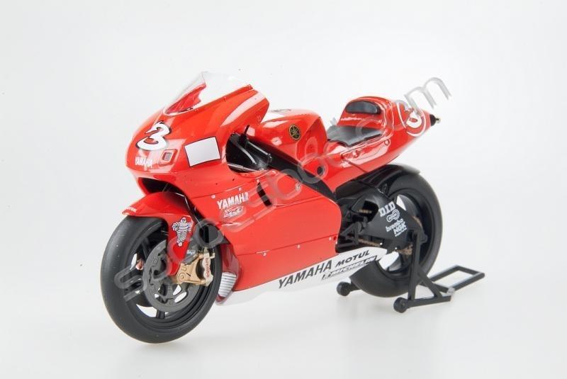 1;12<>YAMAHA YZR 500   MotoGP 2001  Max Biaggi  #3