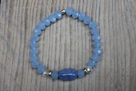 Blauwe armband met facetkraal 8mm