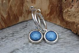 Oorbellen met Blauwe Mandala print
