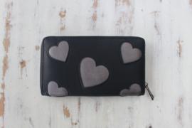 Zwarte portemonnee met hartjes
