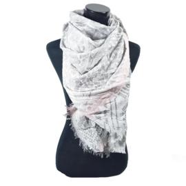 Grijze sjaal met zalm/rozige band