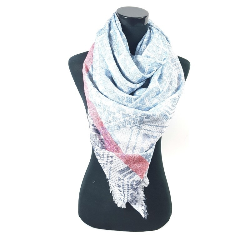 Blauwe sjaal met rode band