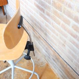 Vintage hoge werkplaats stoel