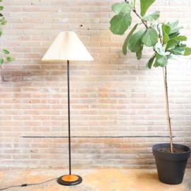 Vintage staande lamp plooikap