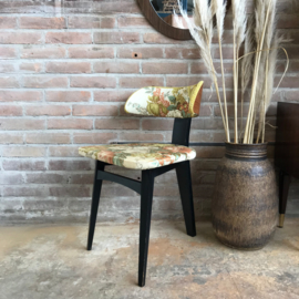 Vintage driepoot stoeltje