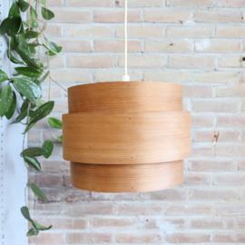 Hans-Agne Jakobsson voor AB Ellysett Markaryd  houten lamp