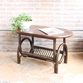 Vintage rotan tafel met lectuurmand