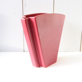 Vintage vaas donker rood plat