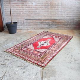 Vintage tapijt 175 x 107