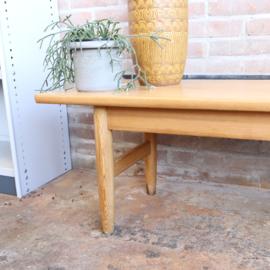 Vintage design  noors  houten bankje