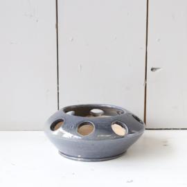 Vintage pot met gaten / waxinelichthouder