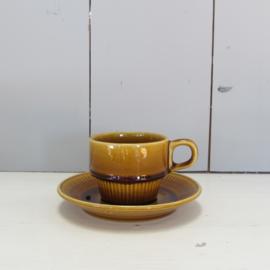 Vintage kop en schotel oker geel