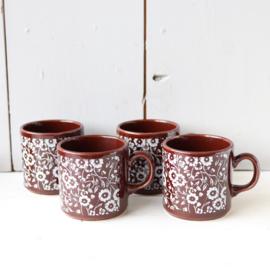Vintage koffie kopjes bruin bloemen