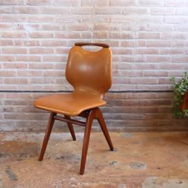 Vintage cognac stoel hout