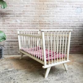 vintage ledikant spijlen bed
