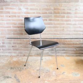 Vintage zwart skai stoeltje