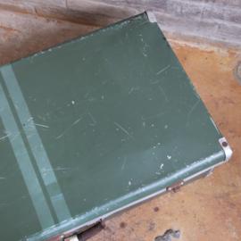 Vintage koffer groen metaal